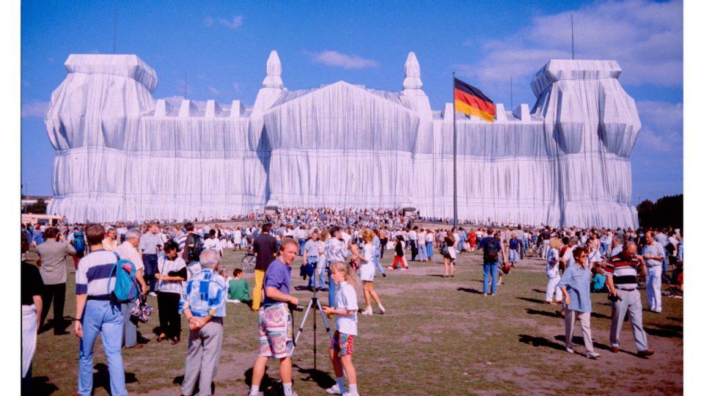 Il Parlamento tedesco detto Reichstag impacchettato